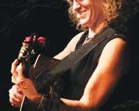 Cosy Sheridan at Artichoke